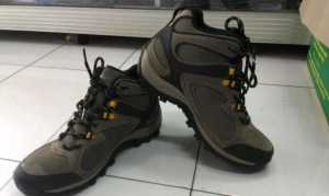 Hi-Tech Otolhite UK 42 -43 Warna Coklat & Biru