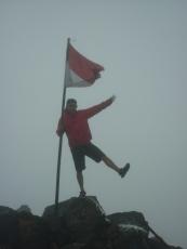 Bendera Puncak Ogal-Agil
