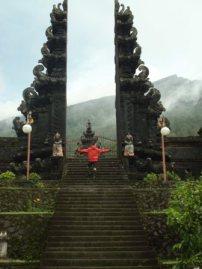 Pendakian Suci Gunung Agung